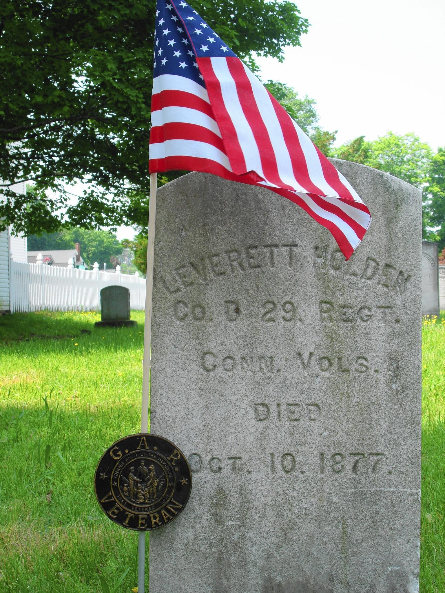 Grave of Leverett Holden, Civil War Soldier, East Avon Congregational Church