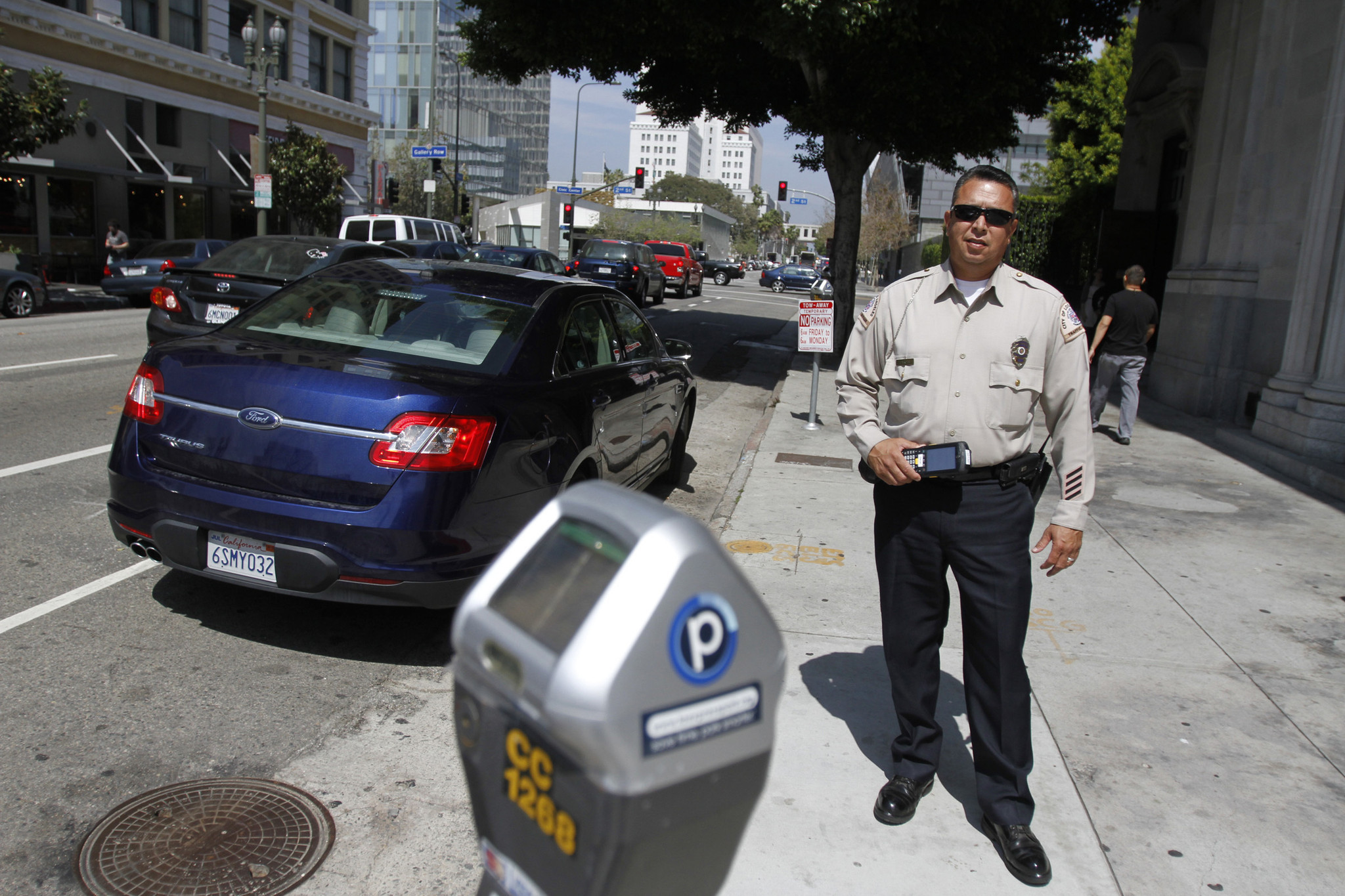 a radical new way to fight parking tickets would it work in l a la times. Black Bedroom Furniture Sets. Home Design Ideas