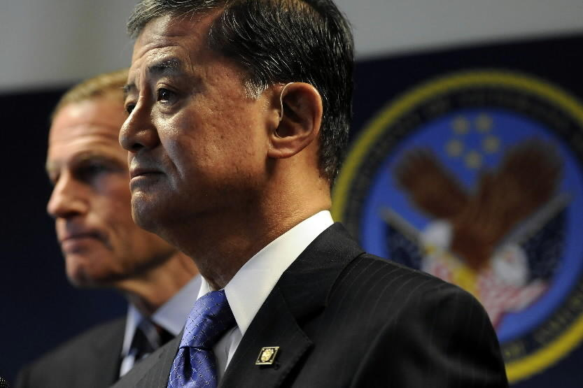 Vetwerans Affairs Secretary Eric Shinseki is under fire from some Republicans after veterans died while waiting for appointments at a Phoenix veterans hospital.