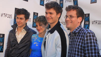 Pictures: Fans at the red carpet for 'The Fault in Our Stars'