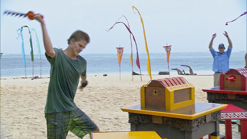 """Spencer Bledsoe wins Immunity during the eleventh episode of """"Survivor."""""""