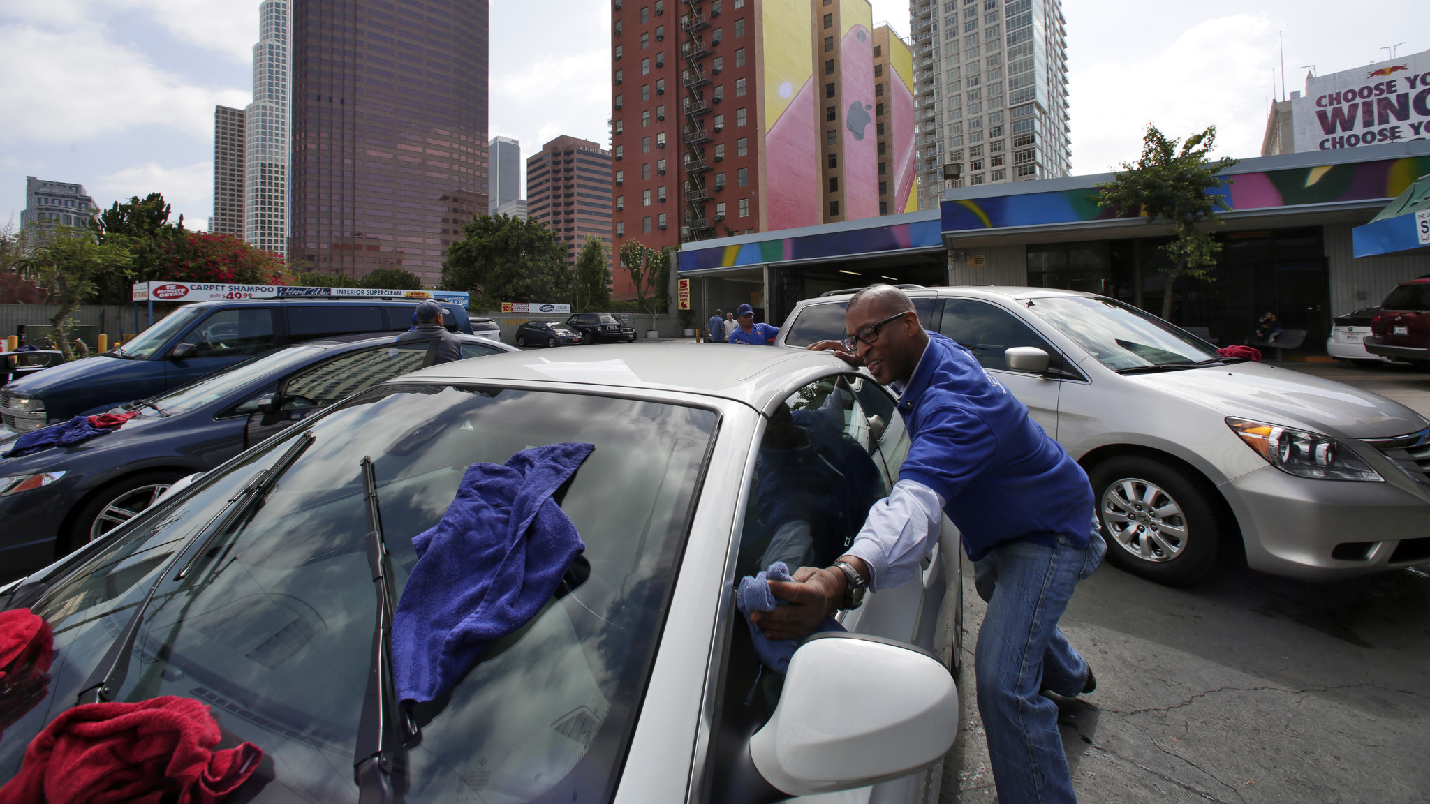 Downtown l a carwash owner cleans up in sale estimated at 25 million la times
