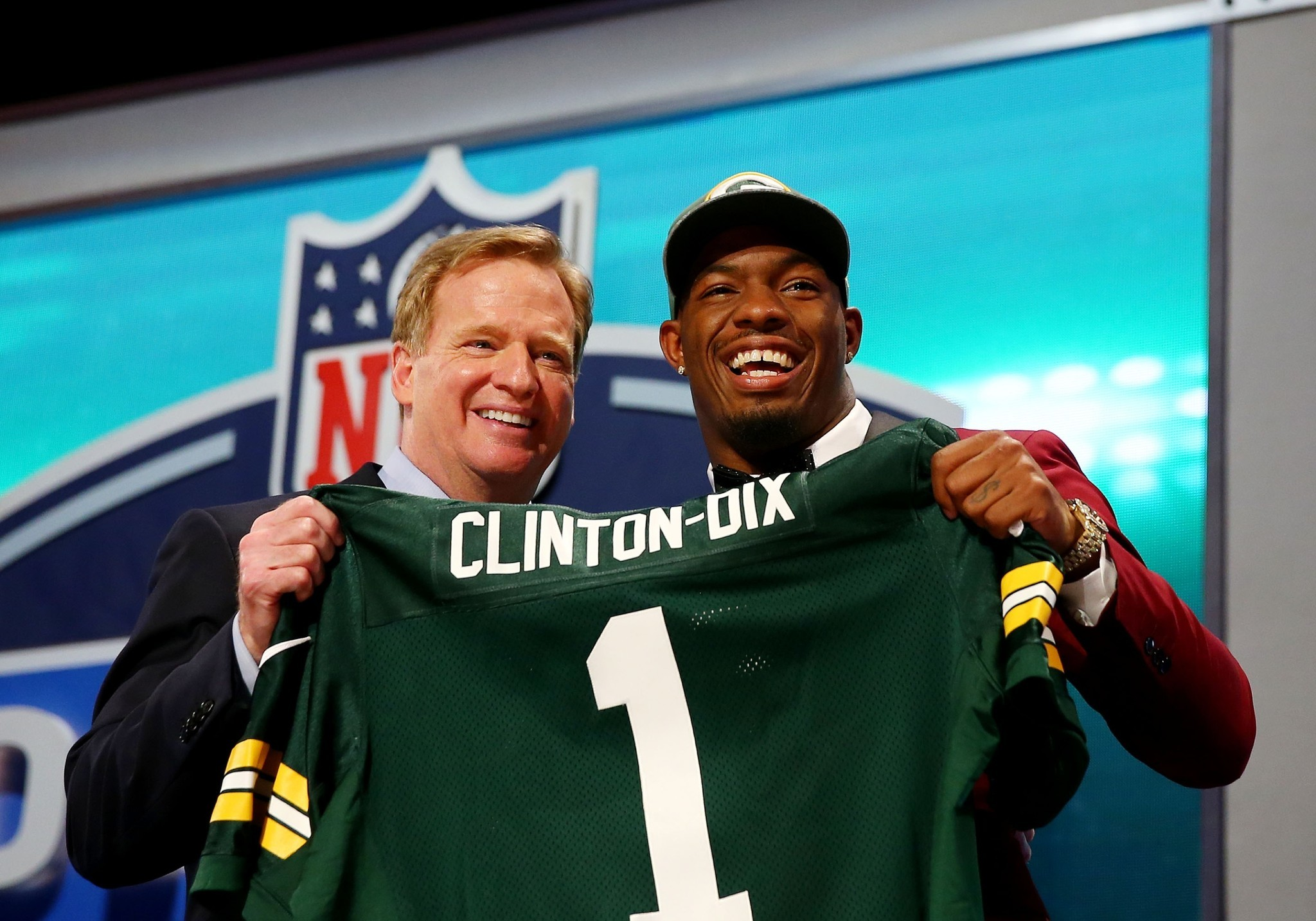 Ha Ha Clinton Dix That s not a joint in Twitter photo honest