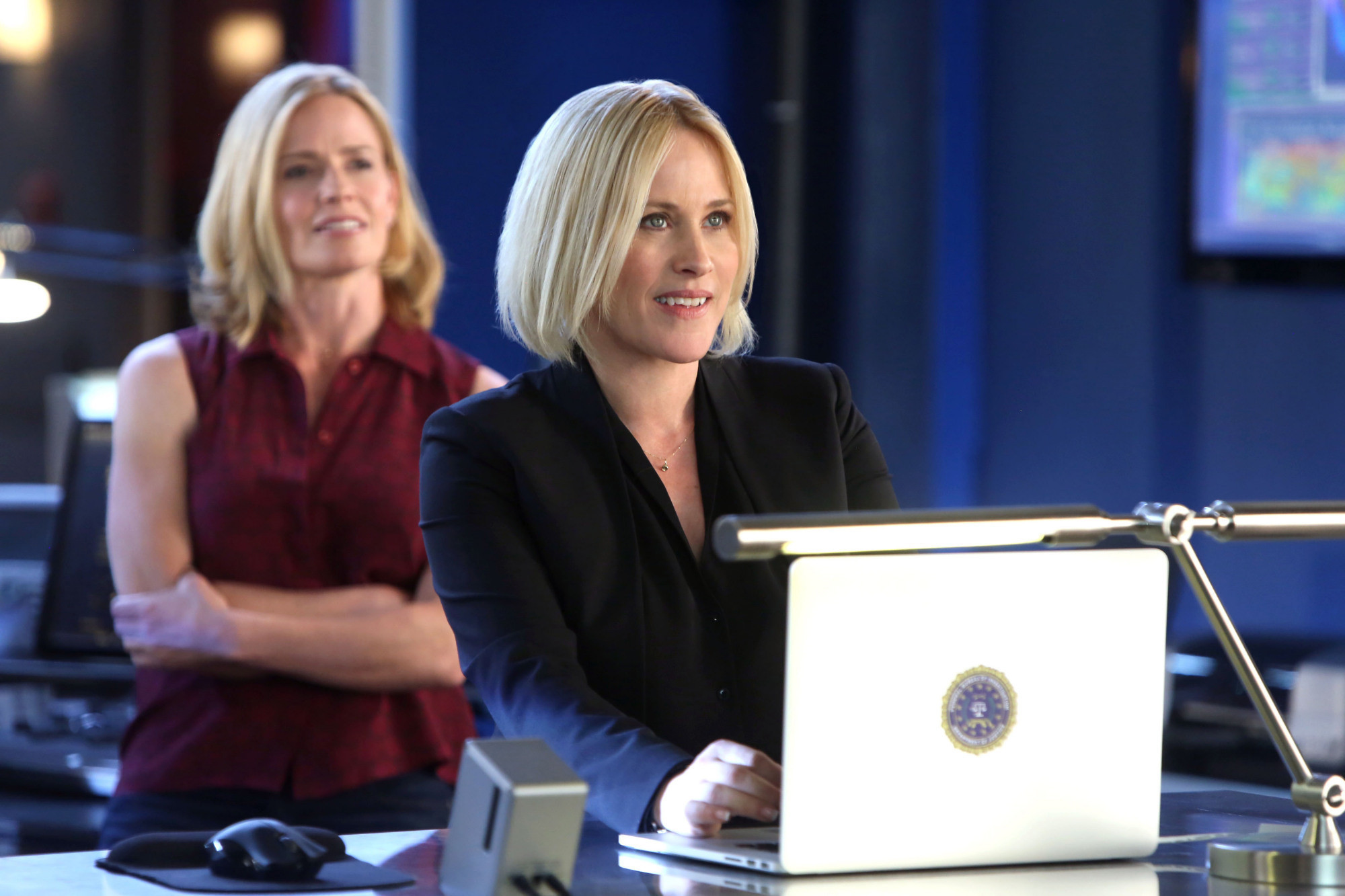 http://www.trbimg.com/img-536e525c/turbine/la-et-st-cbs-picks-up-csi-cyber-with-patricia-arquette-20140509