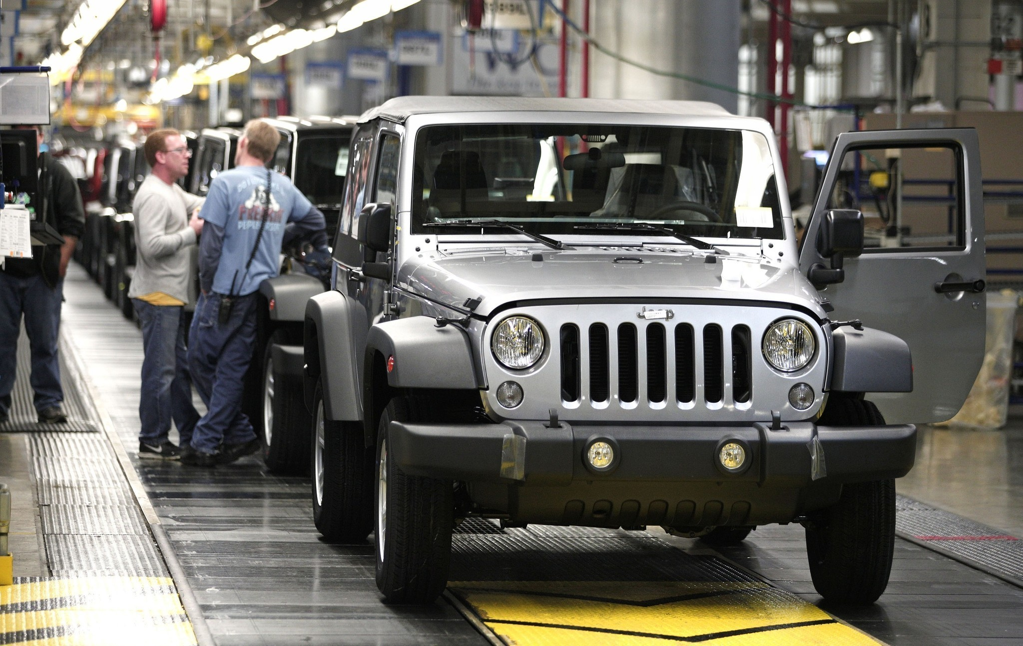 Expenses from fiat merger topple chrysler into first quarter loss la times