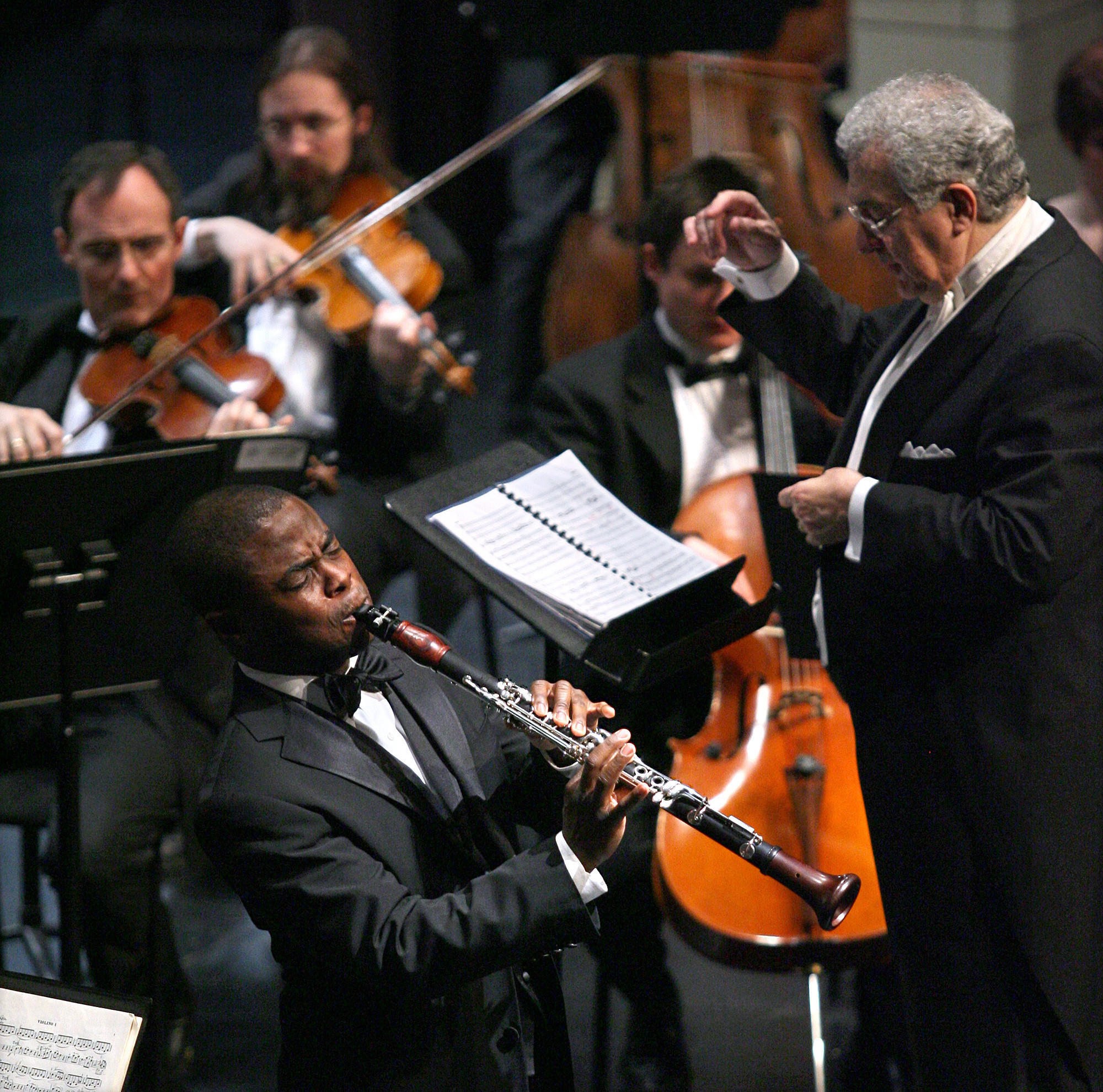 Clarinet soloist Anthony McGill performs with the Illinois Philharmonic Orchestra.
