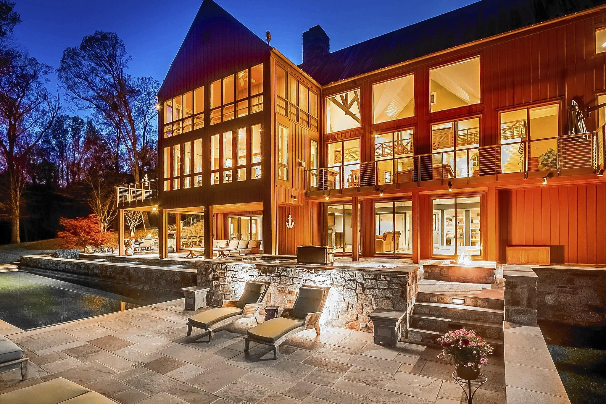 Positioned on more than 27 acres overlooking the Gunpowder Falls, this property was designed by noted architect Walter Ramberg.