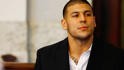 Aarn Hernndez, nativo de Bristol ex- estrella de la NFL ya enfrenta cargos de homicidio en un tiroteo del ao pasado, fue acusado el jueves por cargos de asesinato en doble homicidio del 2012. (Getty Images)