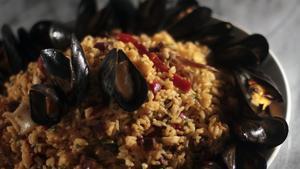 Rice salad, paella style