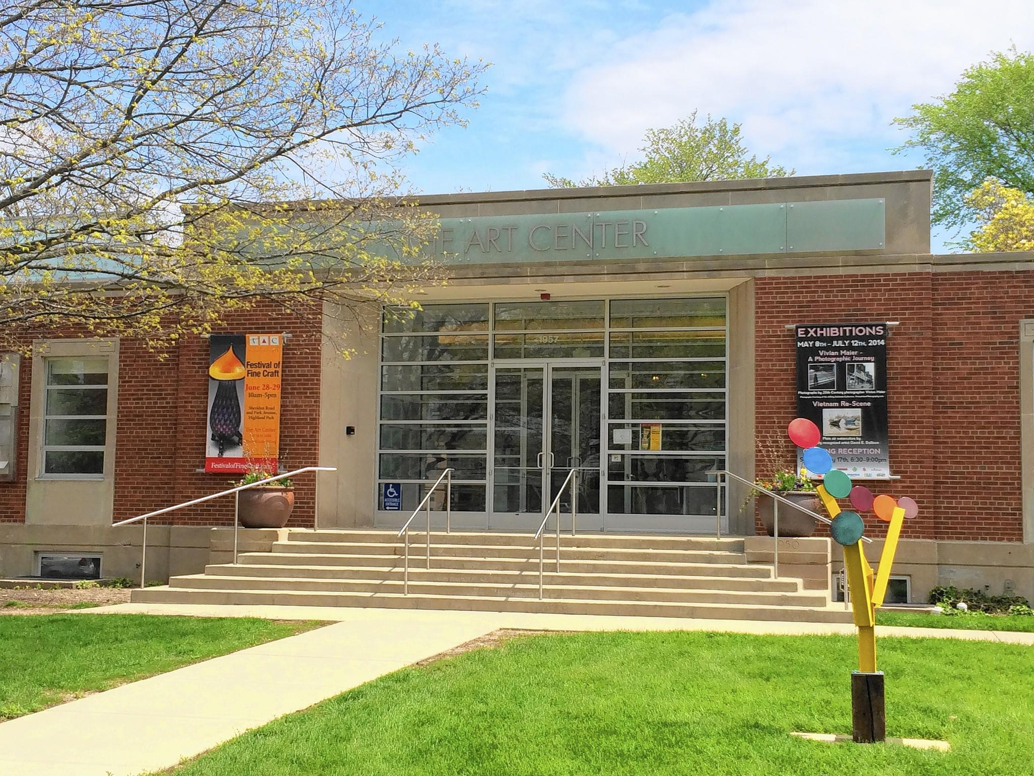The Art Center Highland Park Located At 1957 Sheridan Road Has Found More