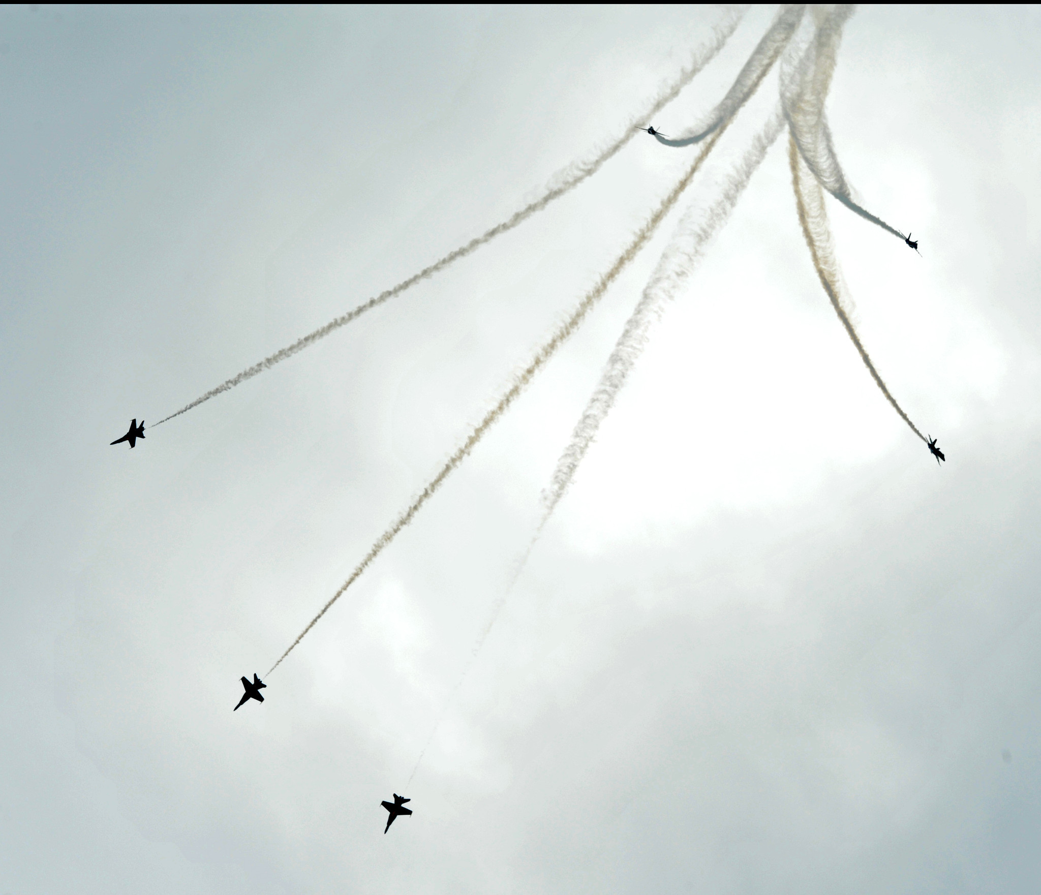 Blue Angels fly by [Pictures] - Flying