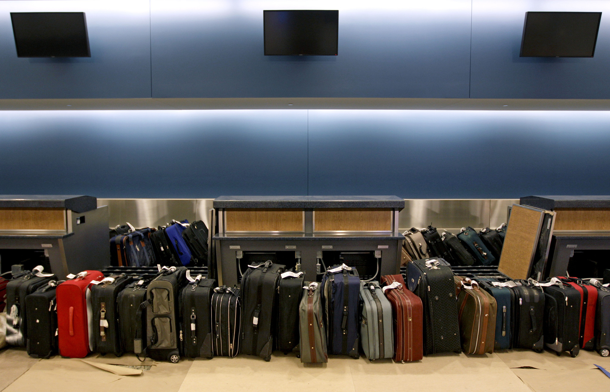 Rule Would Make Airlines Clearly Disclose Bag Fees Other
