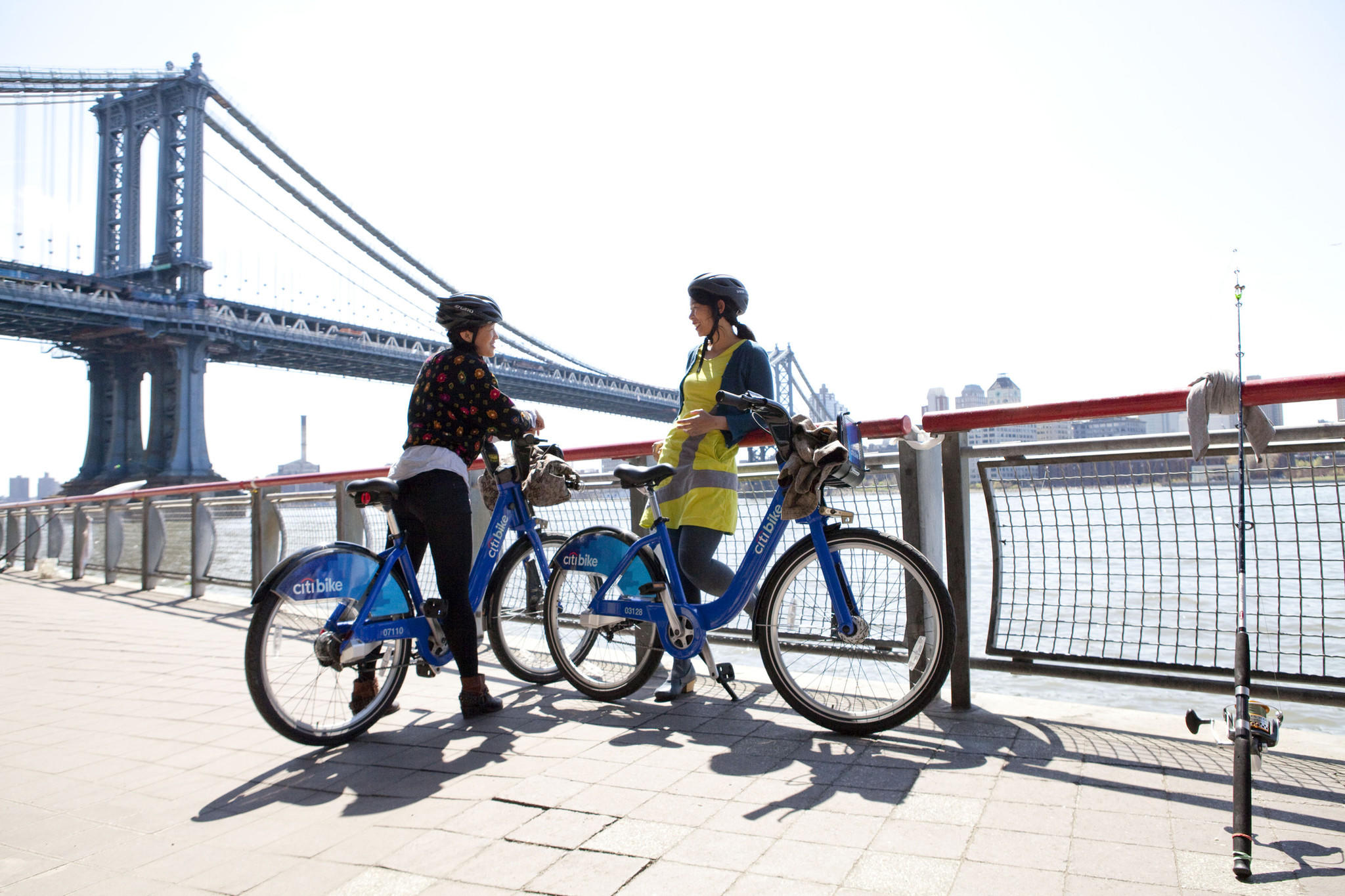 Wishing for your own set of wheels in the city? City Bike, NYC's fabulous bike share program, offers bicycle rentals at hundreds of touch-screen kiosk stations around town, 24/7. And with 700 miles of bike lanes citywide, including parks, greenways and on-street facilities, you can peddle anywhere - and everywhere. Citibikenyc.com