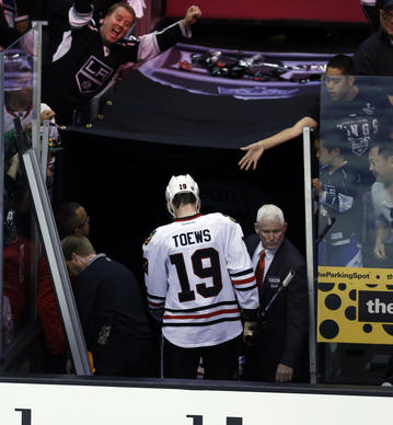 Jonathan Toews heads to the dressing room after the 4-3 loss to the Kings.