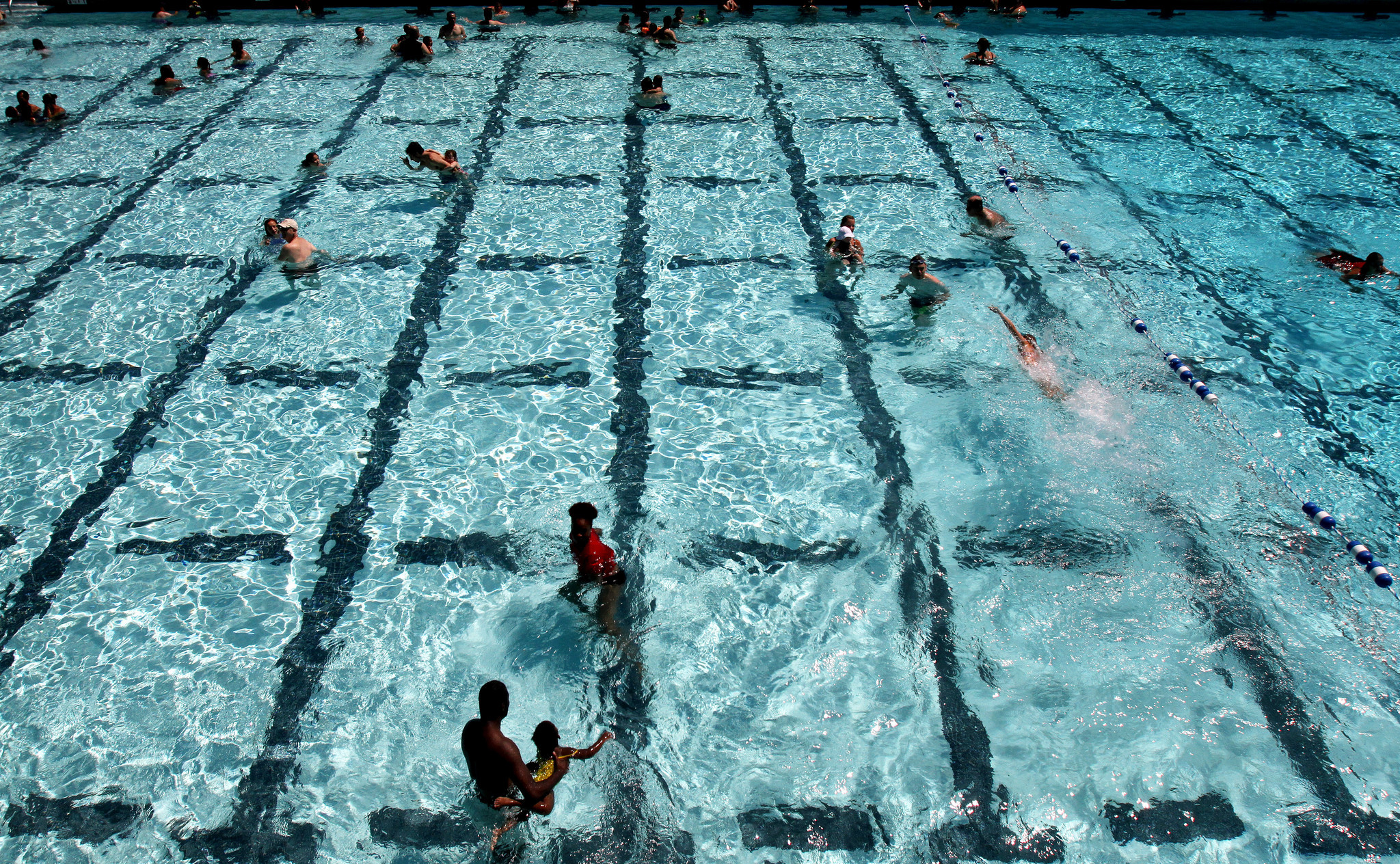 Burbank Council Vote Is A Splash With Swimmers La Times