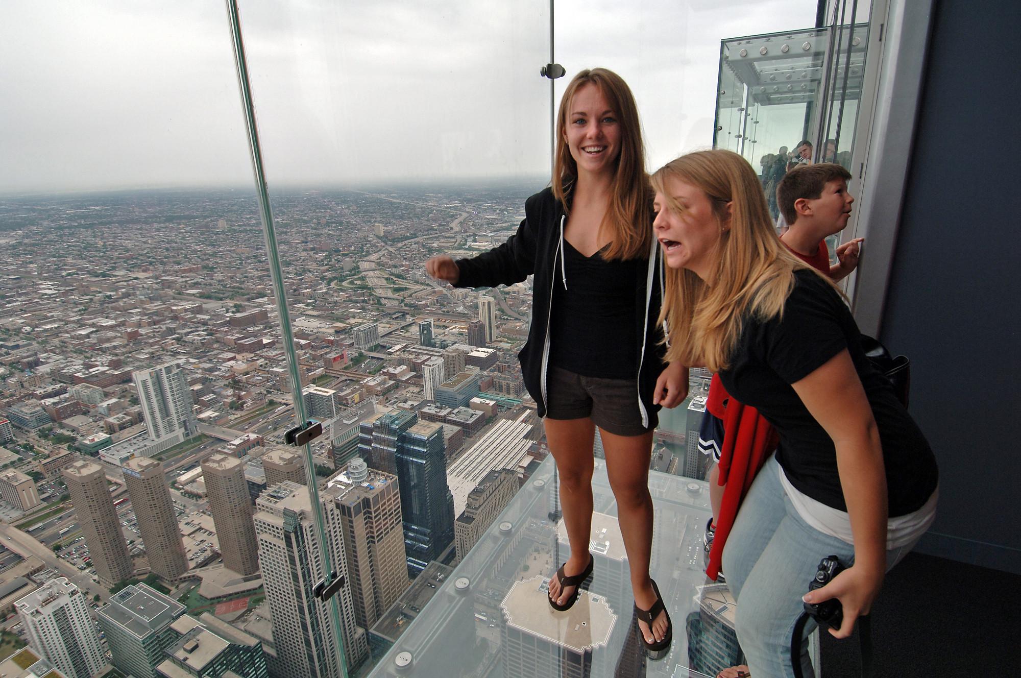 Cracking Heard On Willis Tower Glass Ledge Scares Calif