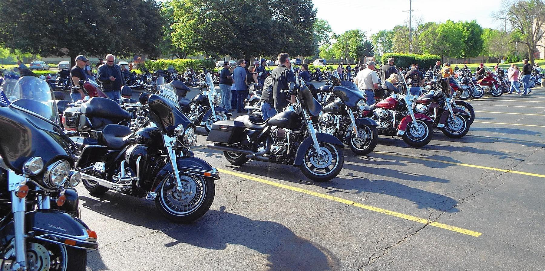 More than 200 motorcycle riders raised awareness and funds for mental health treatment Saturday, traveling from the Linden Oaks at Edward outpatient center in Naperville to a barbecue at a Harley-Davidson dealer near Starved Rock State Park.