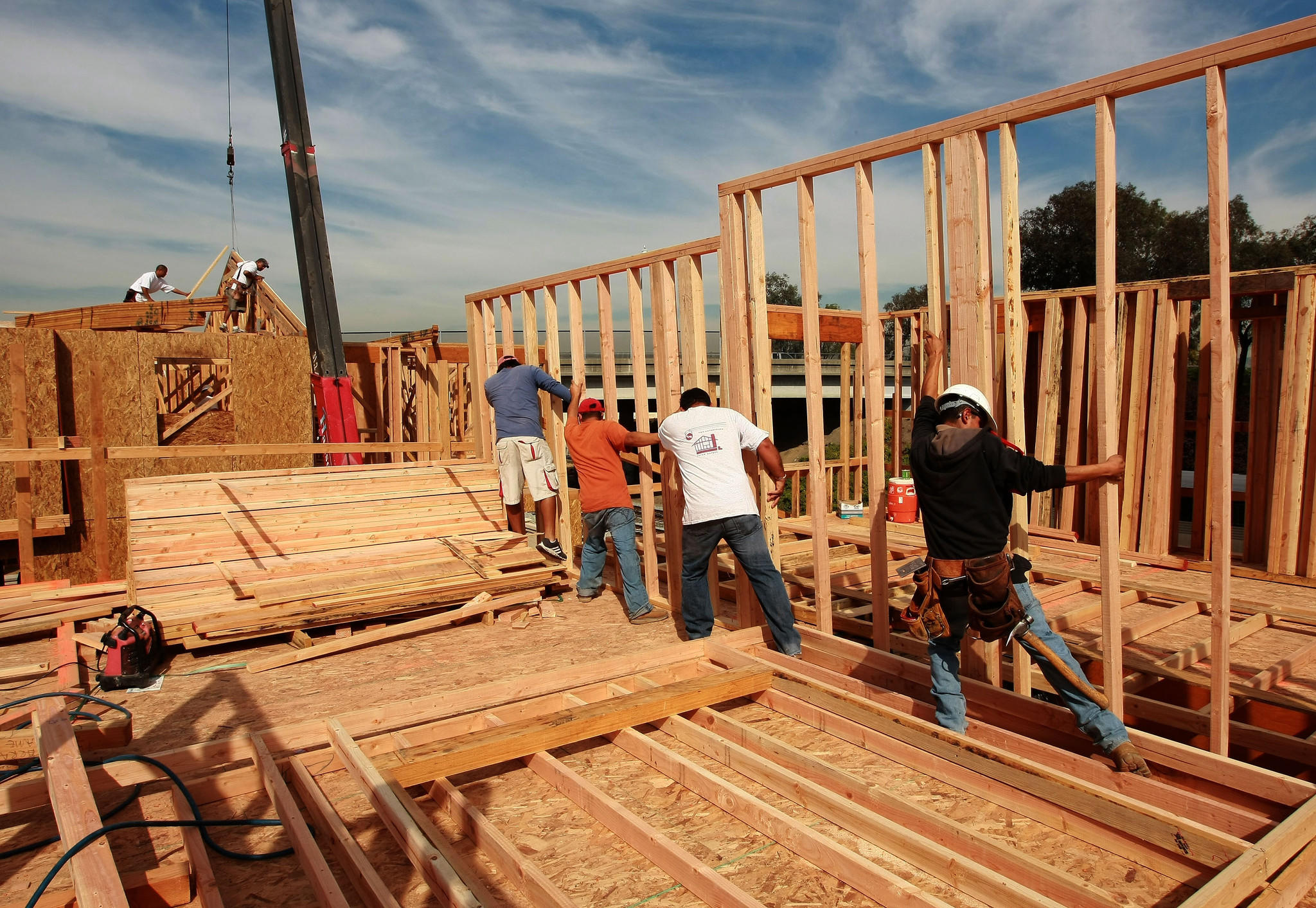 Average home size sets new record tribunedigital for How to build a house in california