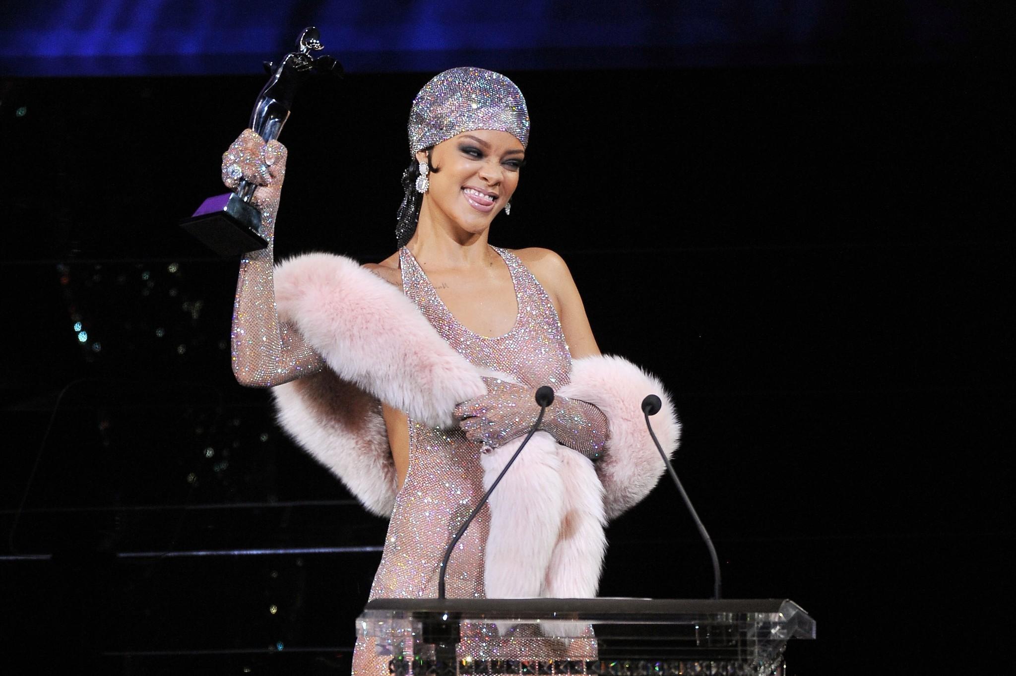 Rihanna S Cfda Awards Gown Sparkly Pantyhose Or Major