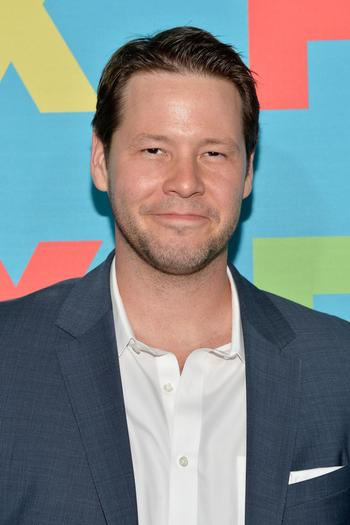 "Ike Barinholtz has been cast in a new movie with Tina Fey and Amy Poehler, ""The Nest."""