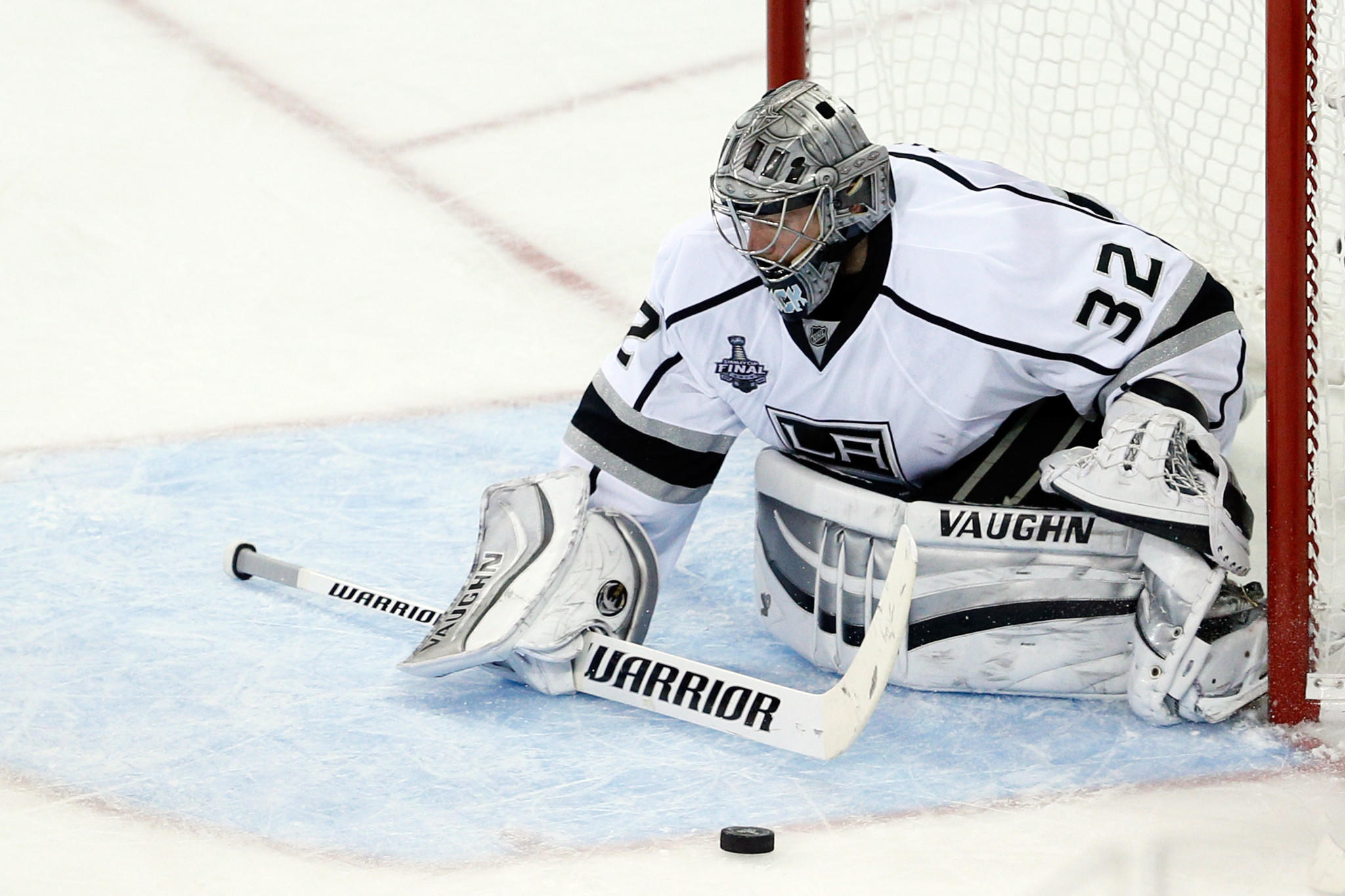 Kings goalie Jonathan Quick makes a save during the third period of Game 3 Monday at Madison Square Garden.