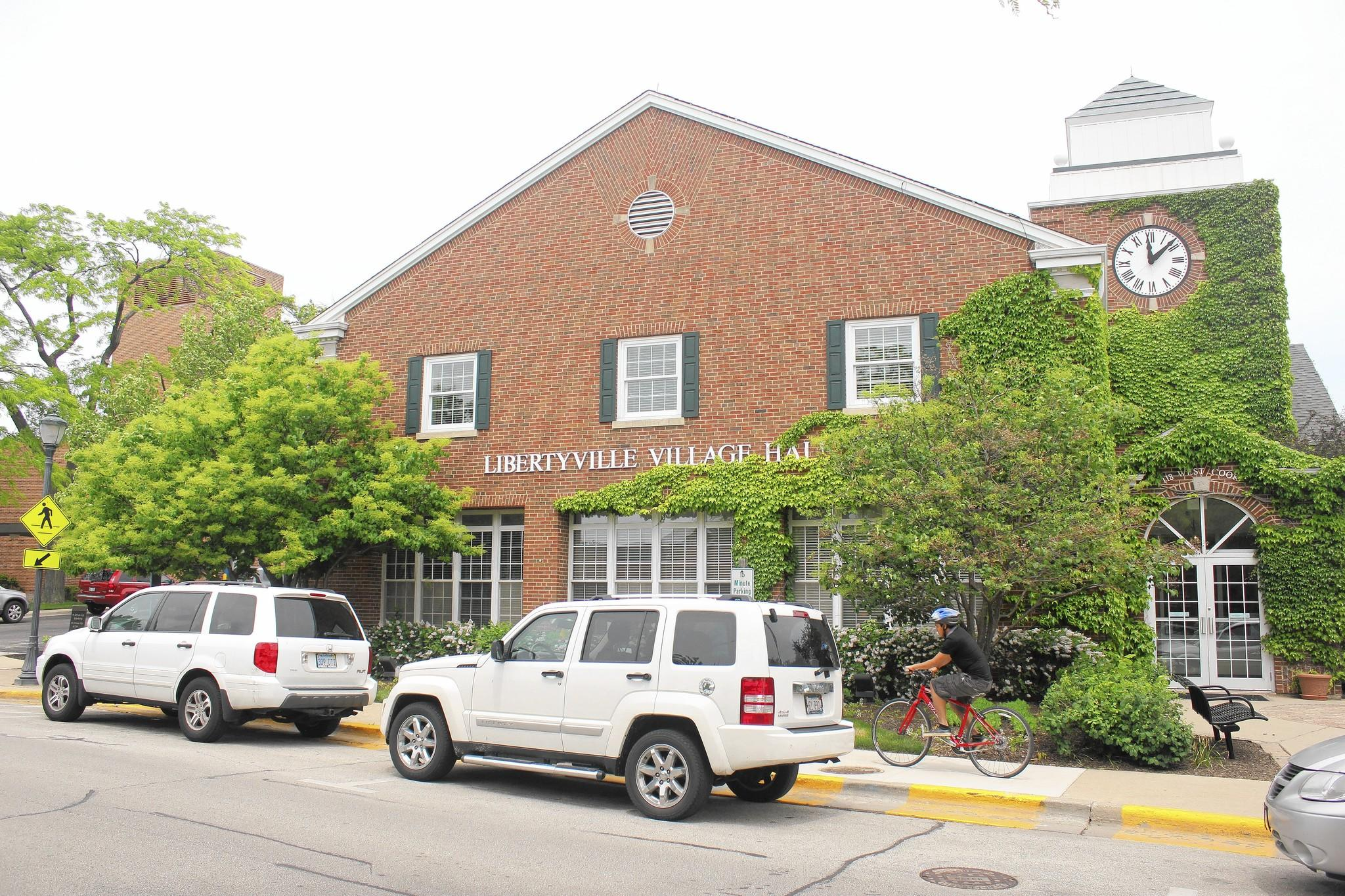 Libertyville trustees shot down the recommendation of Mayor Terry Weppler to impose a moratorium on downtown business licenses while the town solves a parking issue.