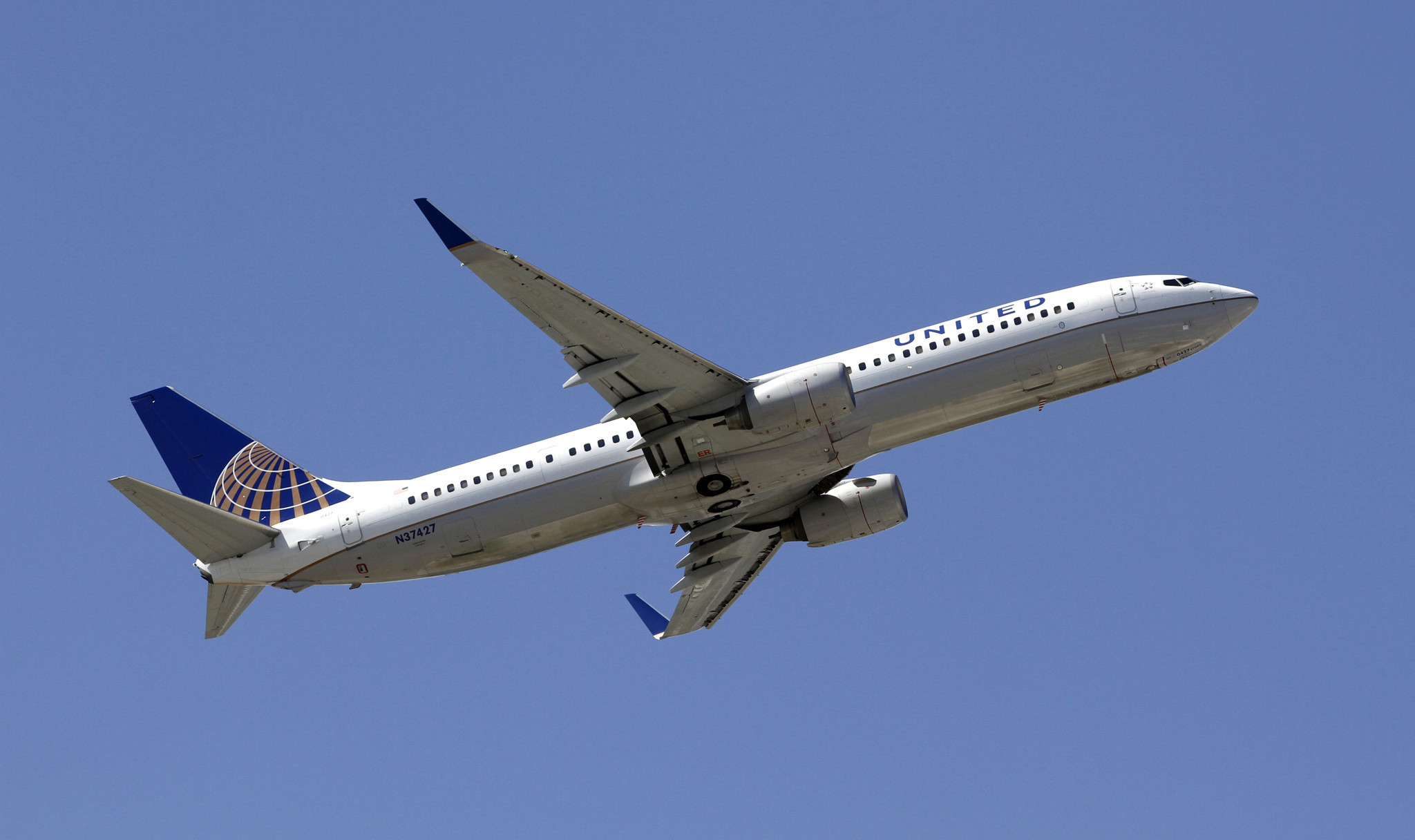 united frequent fliers to get miles based on ticket cost not