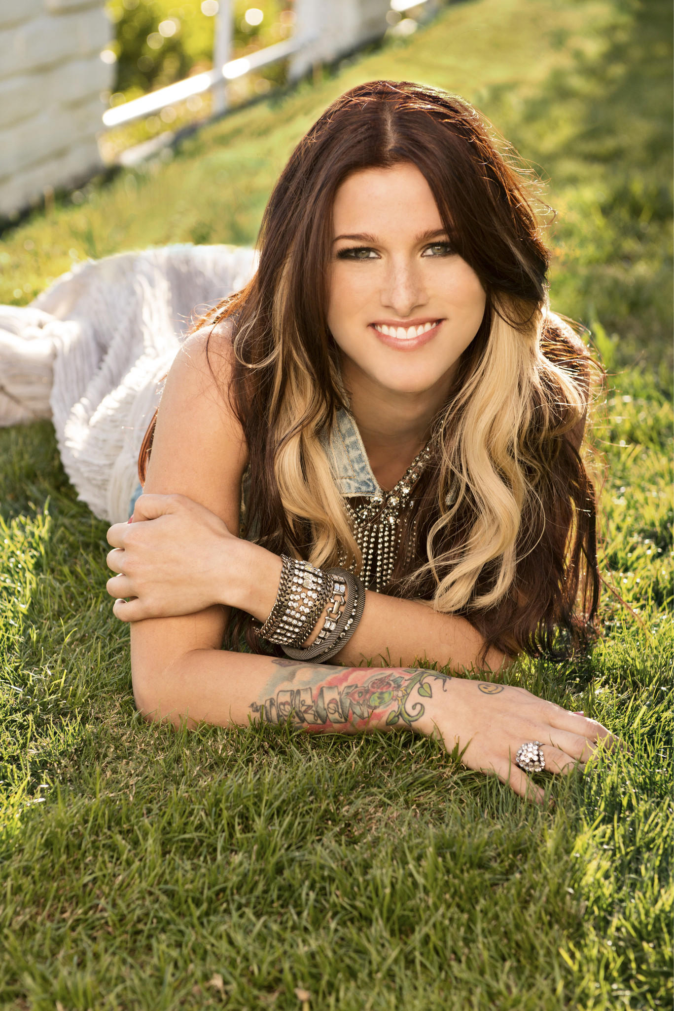 Last week, singer Cassadee Pope won Breakthrough Video of the Year at the CMT Music Awards.