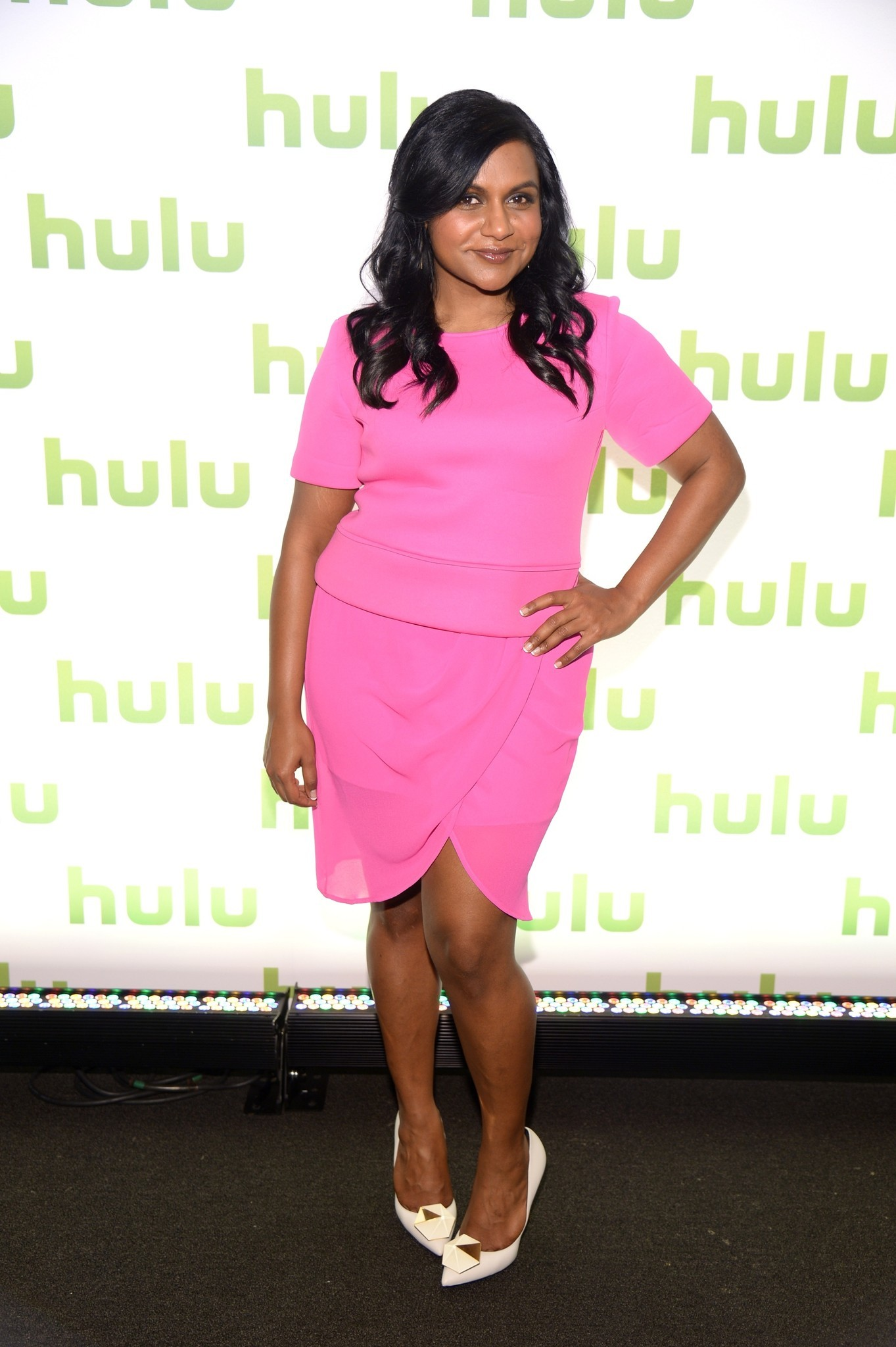 mindy kaling reveals she u0026 39 s writing a new book