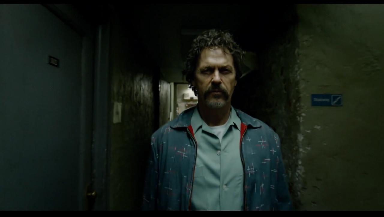 http://www.trbimg.com/img-539a259f/turbine/la-et-mn-michael-keaton-birdman-gonzales-inarritu-movie-trailer-20140612