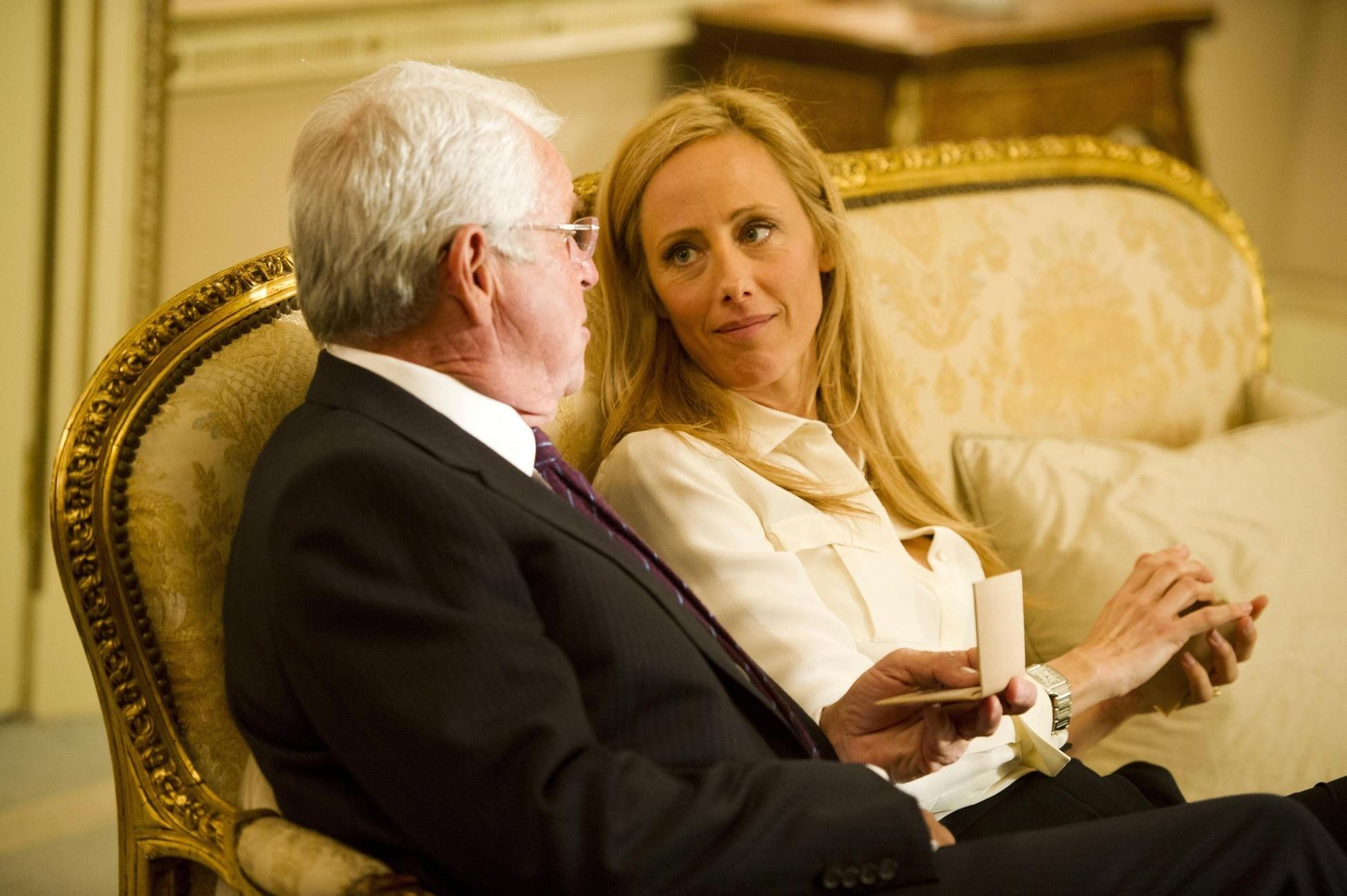 President Heller (William Devane, L) and Audrey (Kim Raver, R) spend time together.