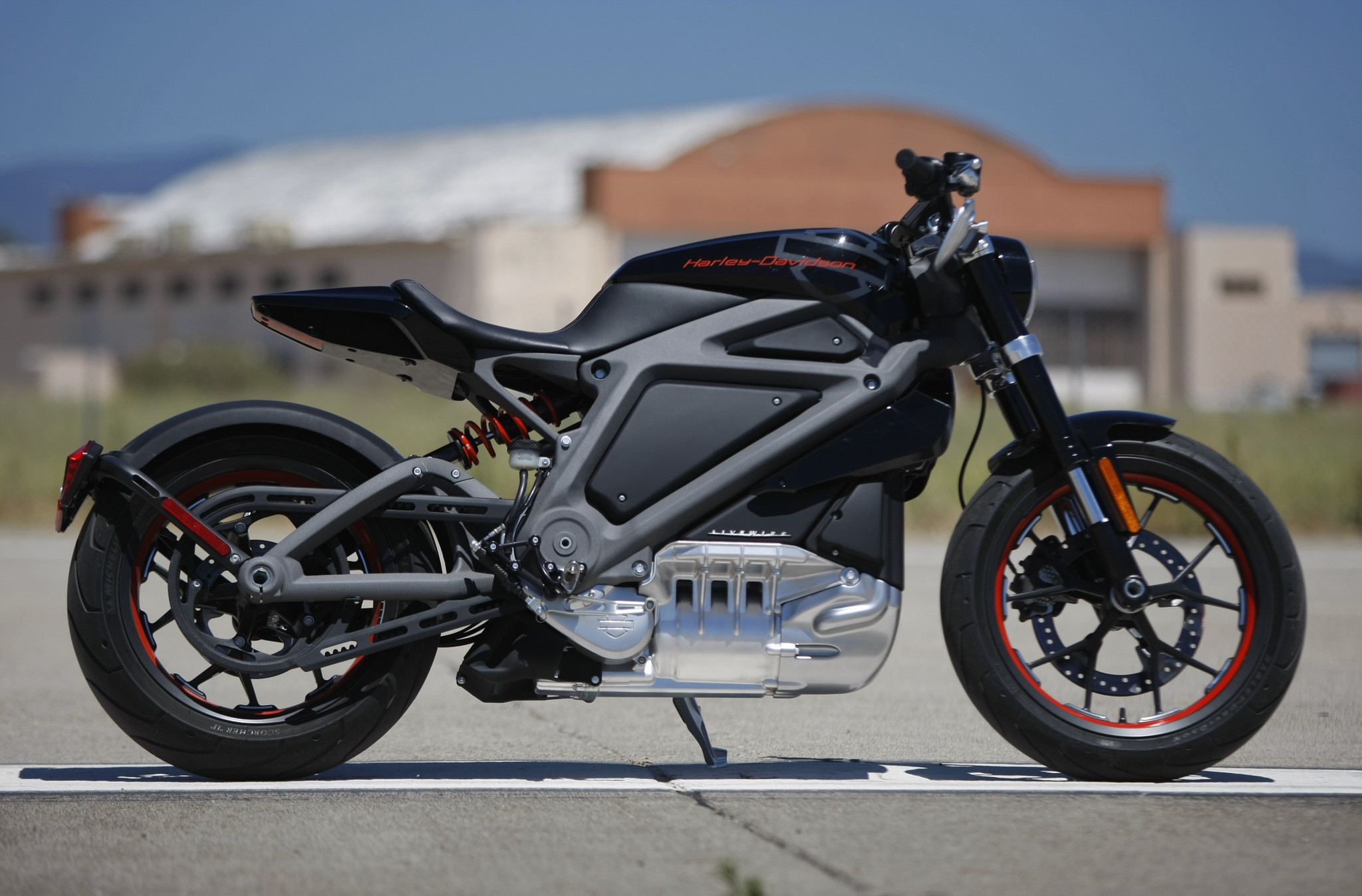 harley davidson announces its first electric motorcycle livewire la times. Black Bedroom Furniture Sets. Home Design Ideas