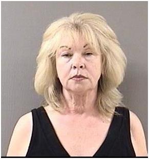 Cynthia Hannon, 59, de Wallingford, fue acusada de intentar contratar a un hombre para que agrediera a su ex marido.(Cortesa del Departamento de polica de Wallingford / 18 de junio de 2014)