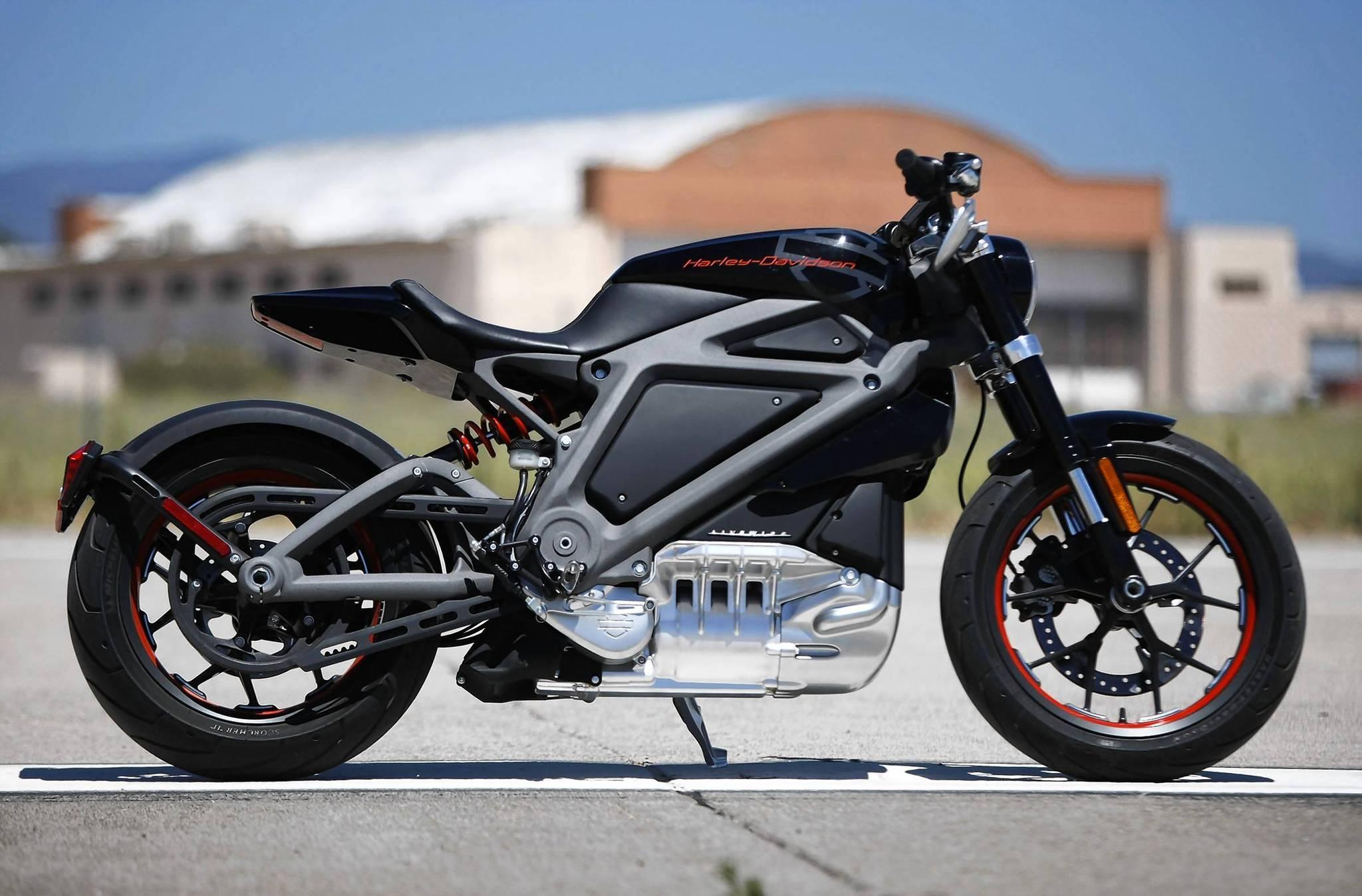 Harley Davidson Bringing Flat Track Racing To X Games La Times