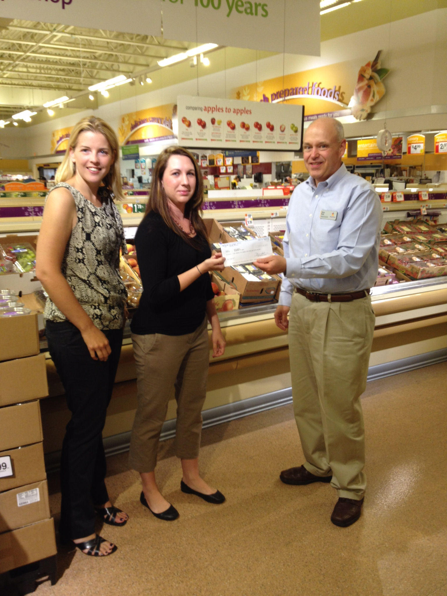 Union School's PTO was able to give $1,500 toward field trips in the 2013-2014 school year because of its participation in Stop & Shop's A School Rewards program. Steve Boyer (far right), store manager of Stop and Shop in Unionville, located just blocks away from Union School, presented Kara Rapp, (far right) PTO Stop & Shop Committee Chair, and Nichole Bittner, PTO President, with a $1,500 check on June 7th. Union School in Farmington is a kindergarten through fourth grade elementary school, recognized as a National Exemplary School by the U.S. Department of Education.