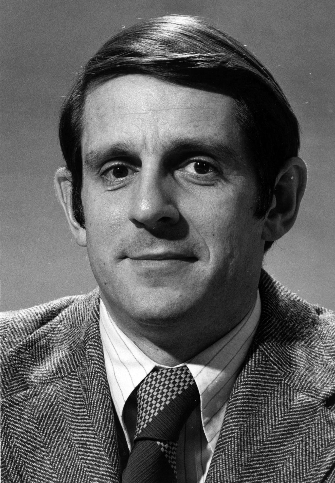Chicago Tribune sports editor Dick Leslie.