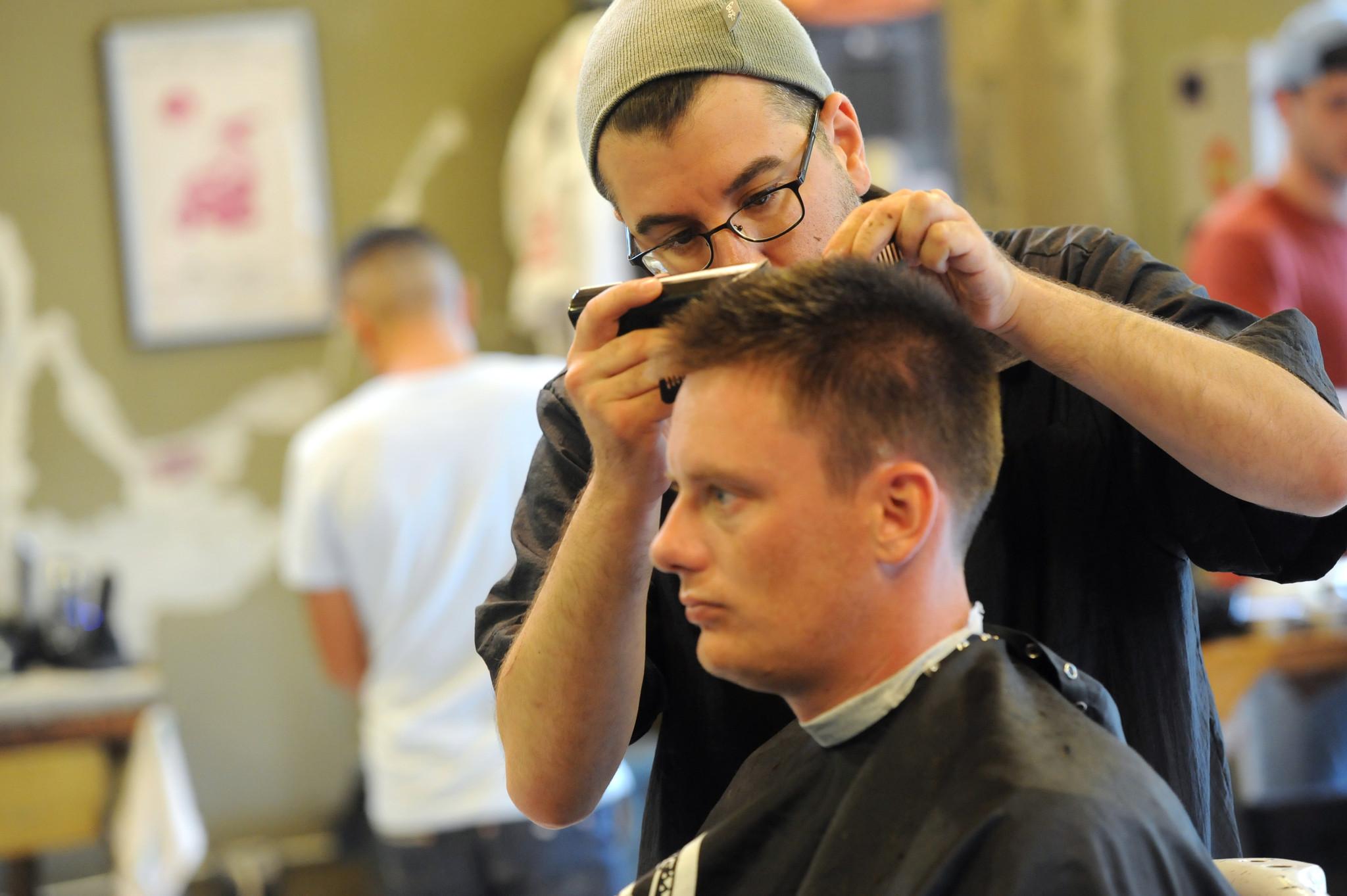 Baltimore Barbershops Mount Community Comeback Baltimore Sun