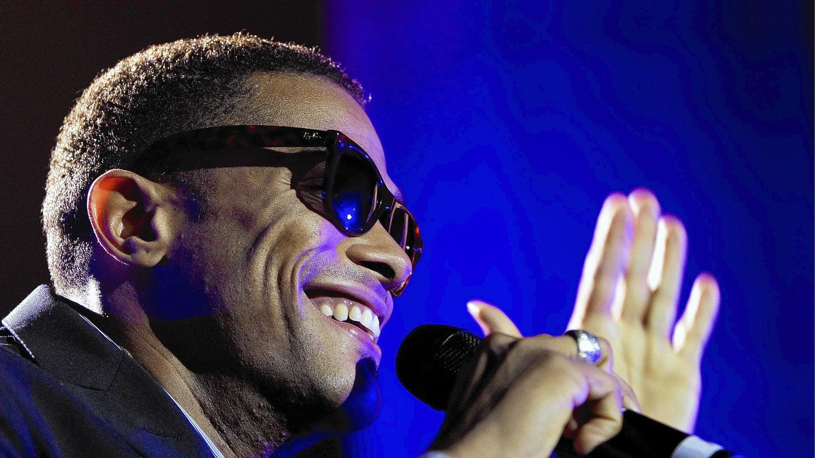 Maxwell is returning to the Hollywood Bowl. (Marcel Antonisse / EPA)