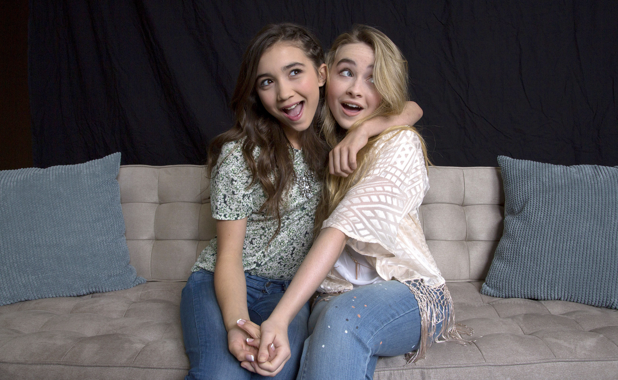 rowan blanchard girl meets world theme song 'i identify as queer': girl meets world star rowan blanchard, 14, reveals that she does not see herself as gay or straight in series of twitter posts.