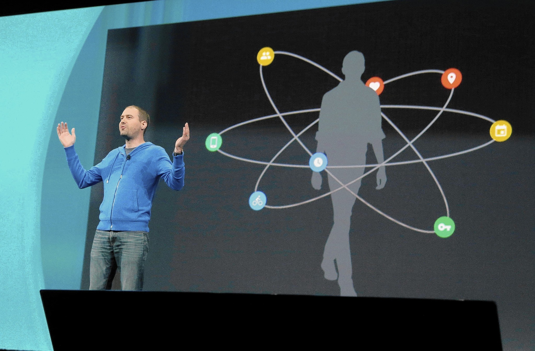 Google unveils products, updates that tie everything together