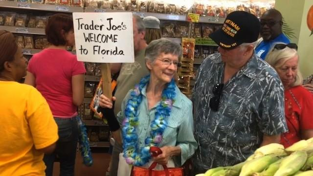 Trader Joe's opens, hundreds flock to Winter Park store