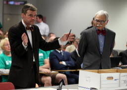 Attorney Mike Kasper, left, representing the group opposed to independent mapping, argues before the Illinois State Election Board as attorney Michael Dorf, right, representing Yes! For Independent Maps, listens during an elections board hearing.