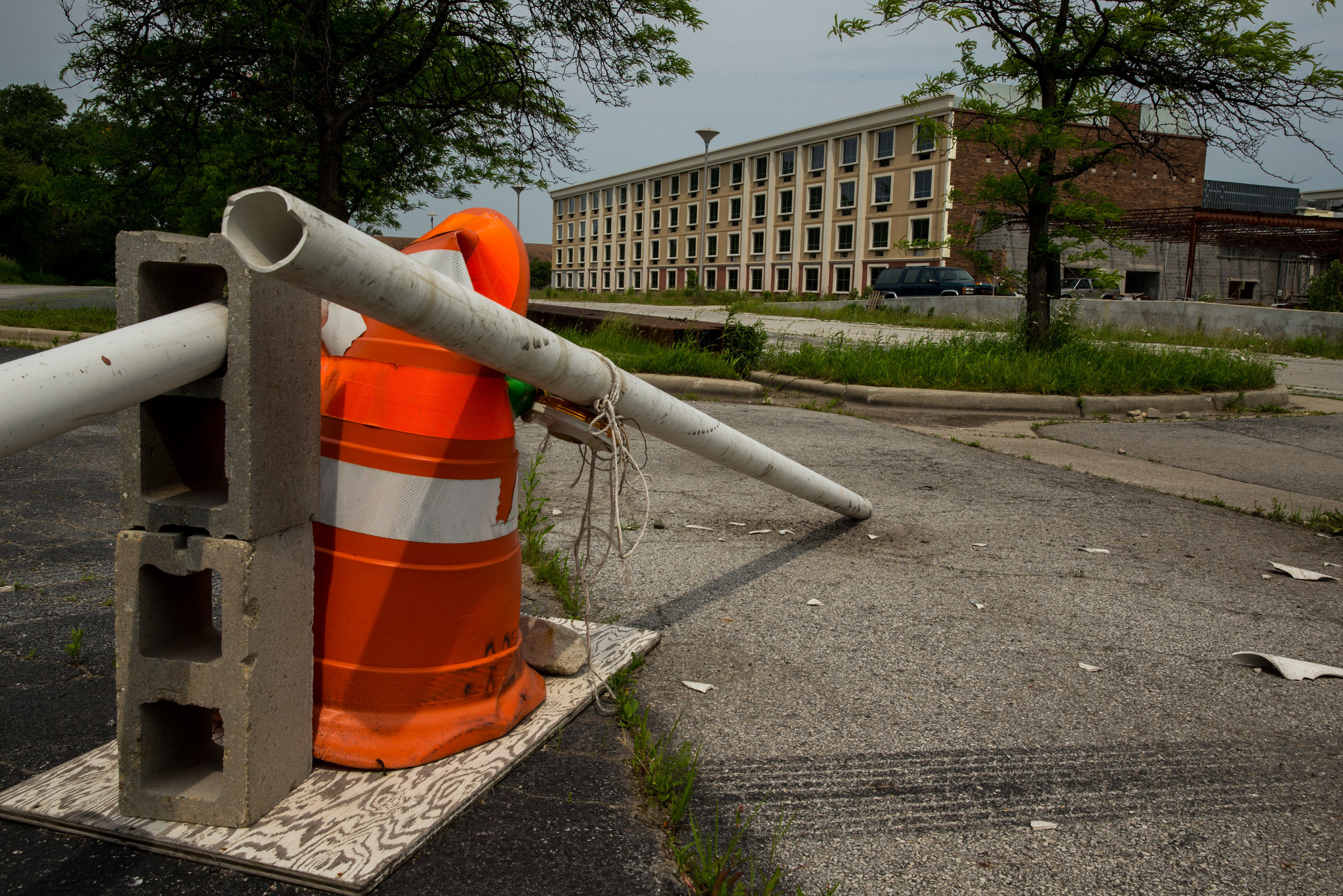 The vacant Chicago Park Hotel near Interstate 294 and Halsted Street in Harvey on Friday, June 21, 2013.