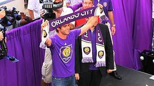 Kak&#225 greets fans at Wall Street Plaza