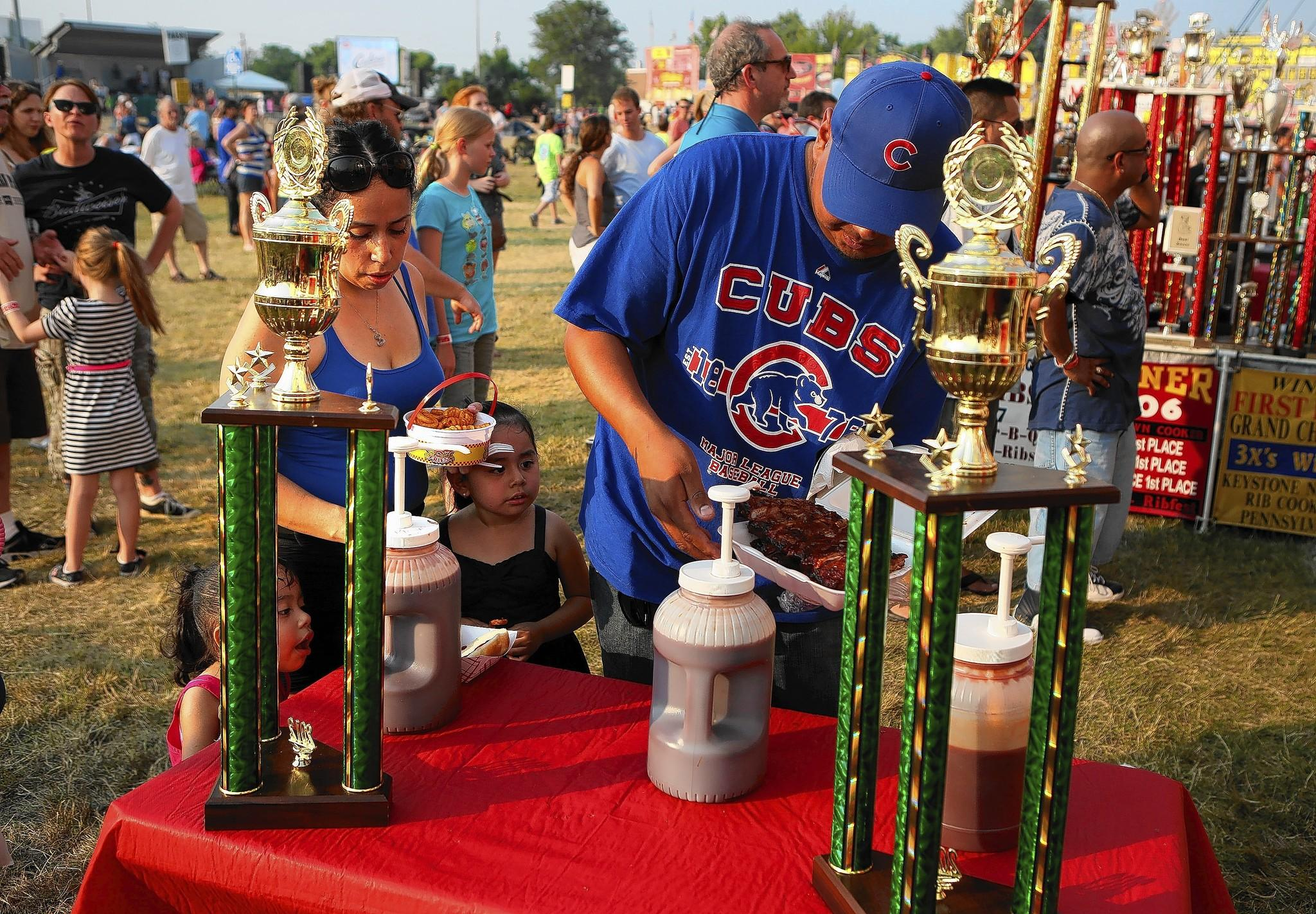 Ribfest organizers are adding a Mexican food vendor and a day of Latin entertainment to appeal to more people as the suburbs grow more diverse.
