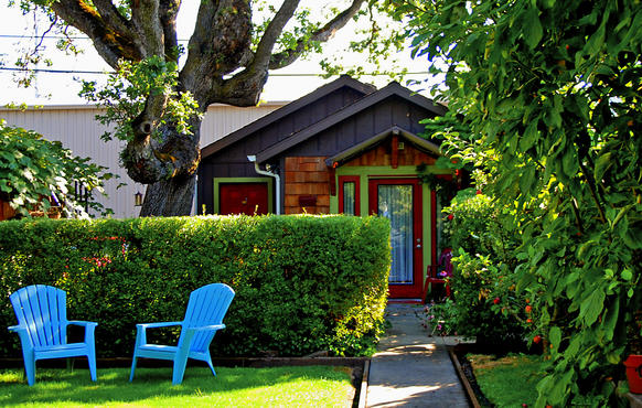 In Medford, Ore., not far from Ashland, the Grape Street Gardens have living quarters more like apartments than an inn or hotel.