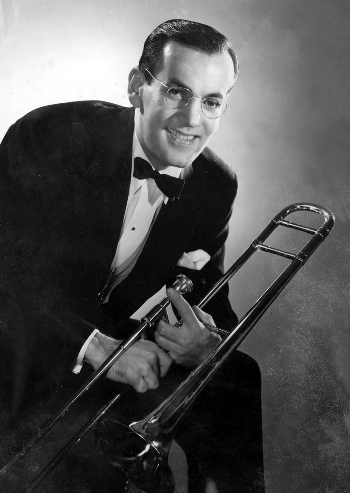 glenn miller Glenn miller 362 likes 23 talking about this glenn miller from wikipedia, the free encyclopedia this article is about the jazz musician for other.