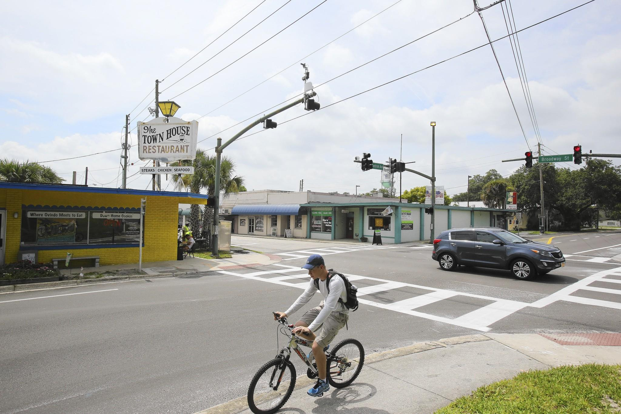 Early next year, state transportation crews will start tearing down buildings in downtown Oviedo to begin one of the most complicated road improvement projects in the city's history.