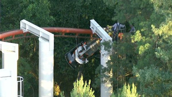 Magic Mountain riders rescued after Ninja roller coaster derails