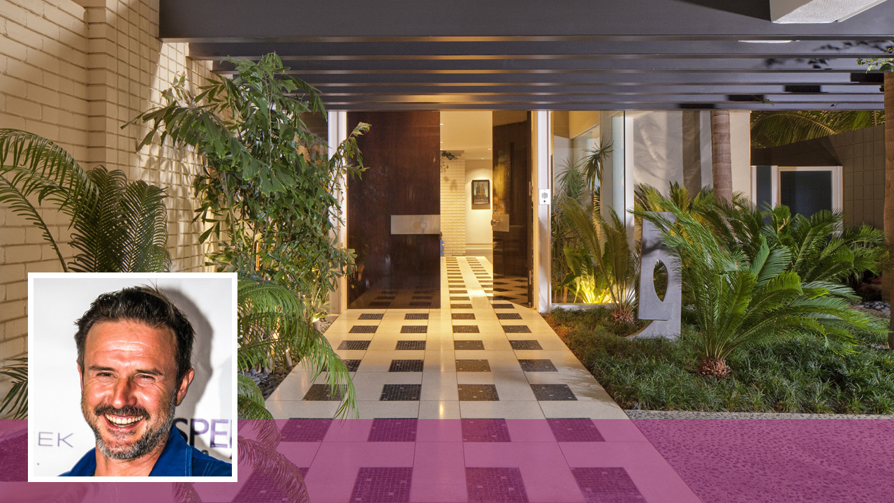 David arquette sheds beverly hills home he shared with for Cox at home